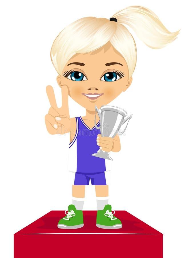 La petite fille mignonne célèbre son trophée argenté illustration stock
