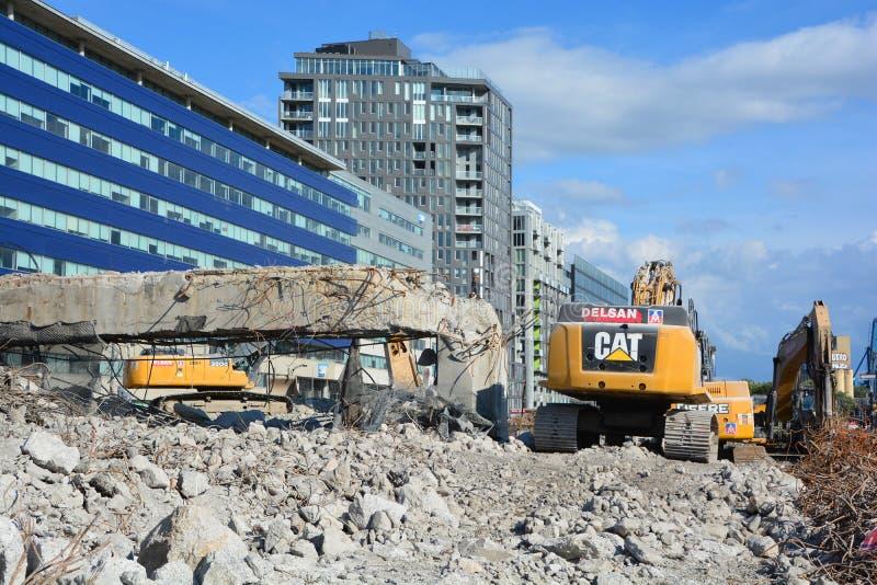 La phase finale de la démolition de Bonaventure Expressway photos libres de droits