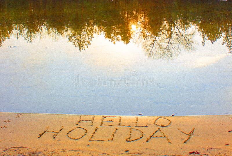 La photo bonjour des mots de vacances image stock