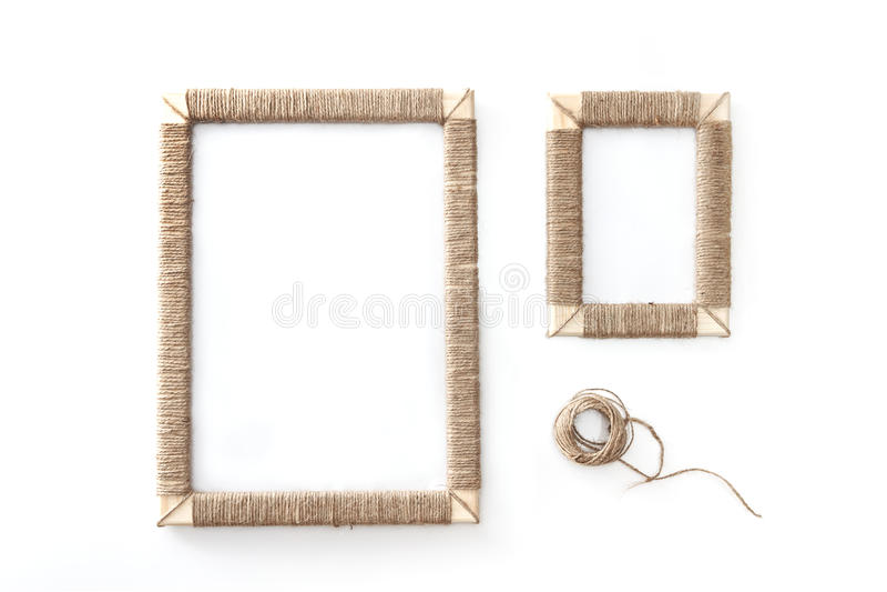 La photo faite main encadre le jute tressé d'isolement sur le fond blanc photographie stock