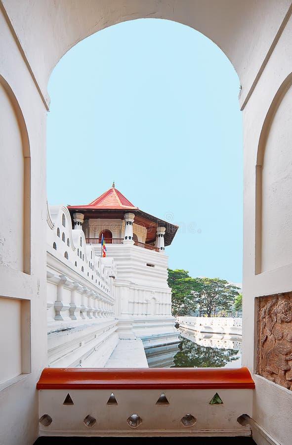 La pièce centrale du temple de la dent à Kandy, Sri Lanka images libres de droits