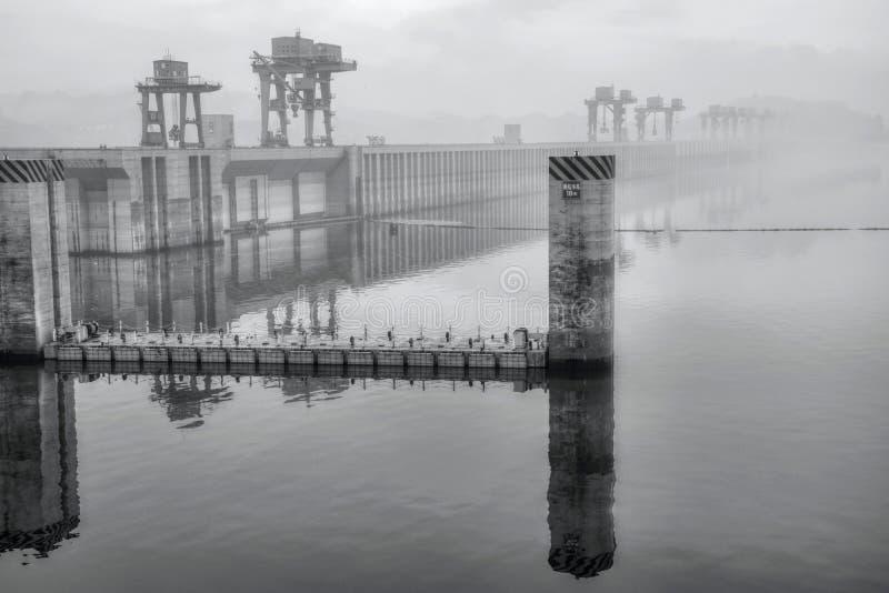 La più grande centrale idroelettrica nel mondo - Three Gorge Dam sul fiume Chang Jiang in Cina immagine stock libera da diritti