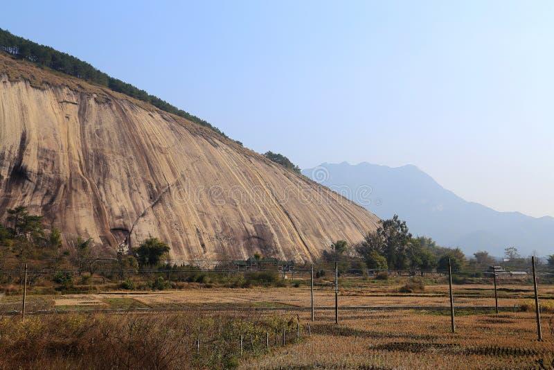 La più grande pietra in Asia immagini stock