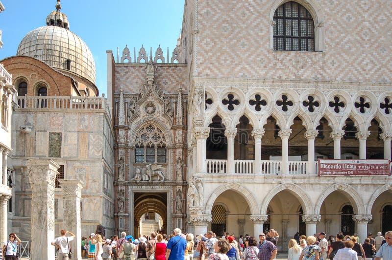 La piazza quadrata San Marco di St Mark ed il palazzo dei doge, v fotografia stock