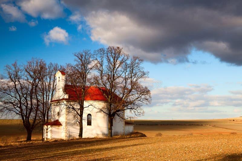 La piccola chiesa di rovine fotografie stock libere da diritti