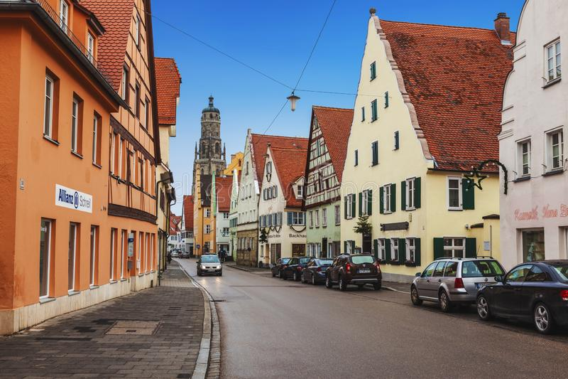 La piccola città medievale di Nordlingen in Baviera Paesaggio urbano fotografie stock