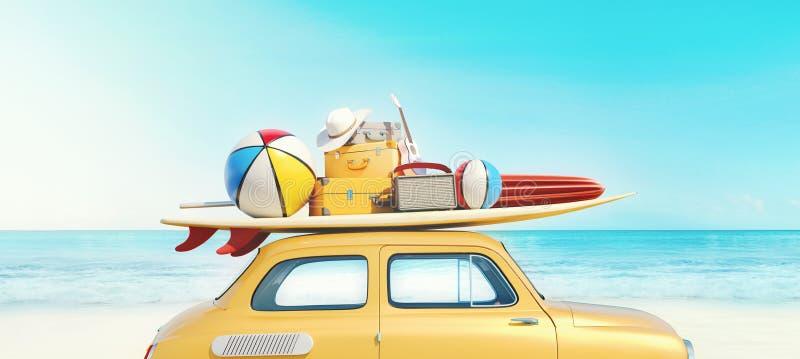 La piccola retro automobile con l'attrezzatura del bagaglio, dei bagagli e della spiaggia sul tetto, completamente imballato, asp fotografie stock