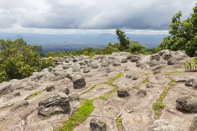La piedra del botón molió en el parque nacional de Phu Hin Rong Kla fotos de archivo