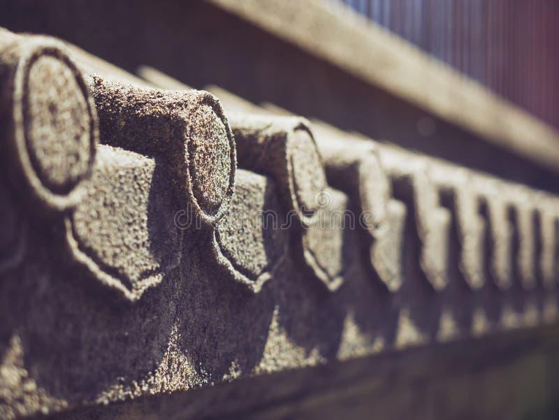 La piedra del detalle del tejado graba los detalles de la arquitectura de la textura fotos de archivo libres de regalías
