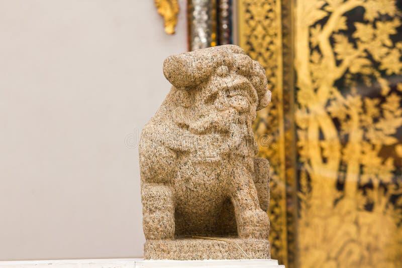 La piedra león-formada tallada en estilo chino imagen de archivo libre de regalías