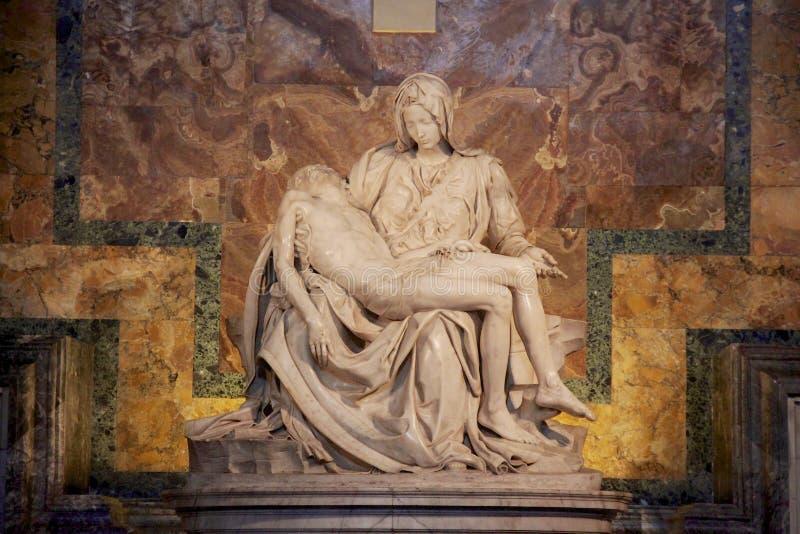 La Pieta, Michelangelo-beeldhouwwerk stock afbeelding