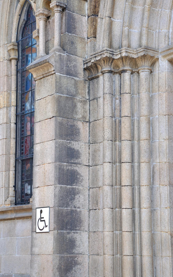 La Pieza De La Pared De La Iglesia Con Graba Imagenes de archivo