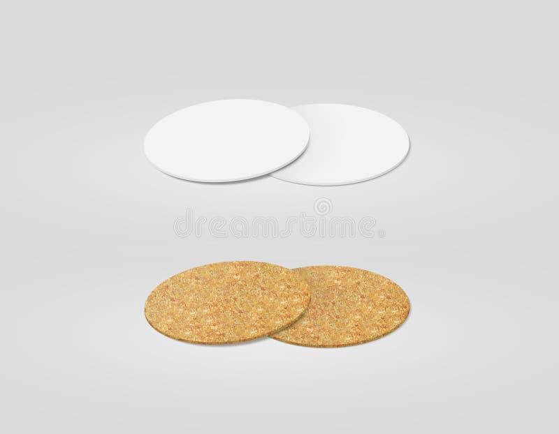 La pila di bianco in bianco e di sughero ha strutturato il modello dei sottobicchieri della birra, fotografie stock