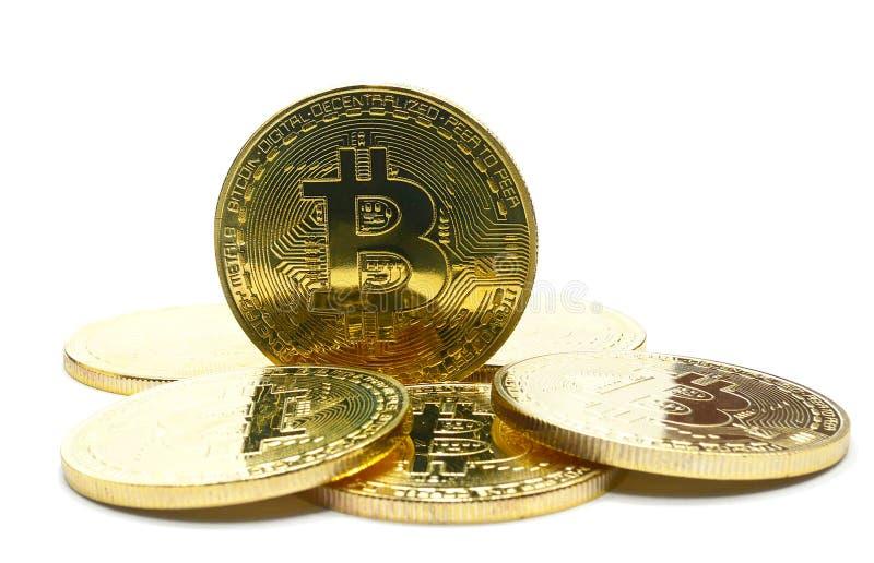 La pila di Bitcoins fisico ha isolato fotografia stock