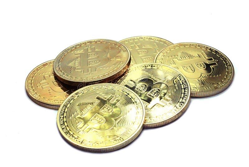 La pila di Bitcoins fisico ha isolato immagini stock