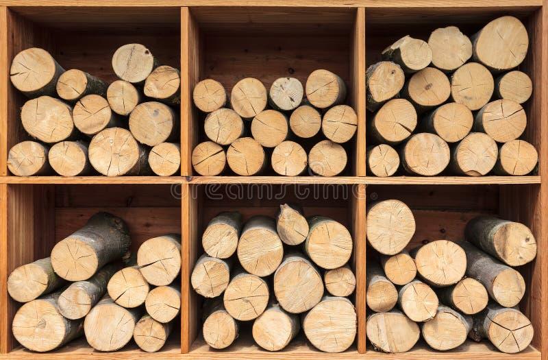 La pile d'en bois préparent pour la cheminée photographie stock