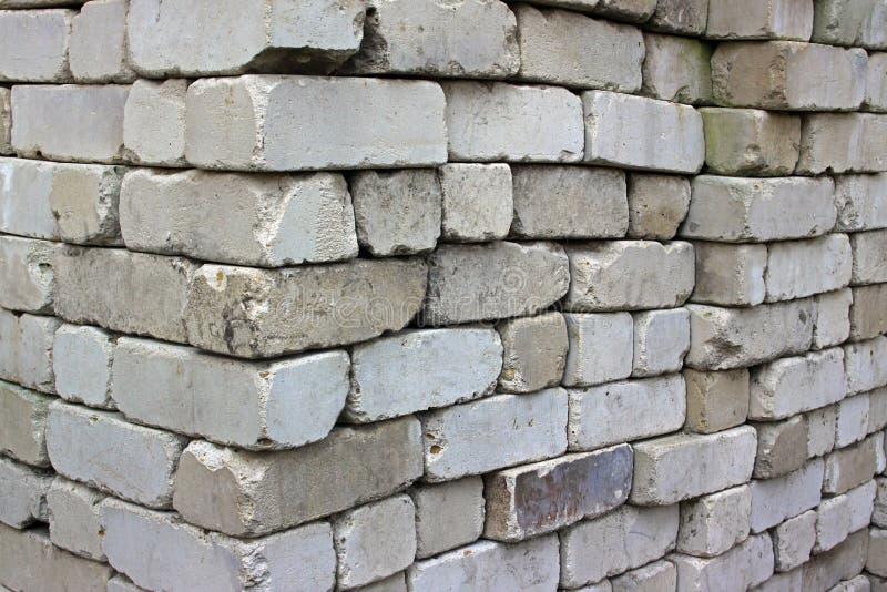 La pile de briques de silicate images libres de droits