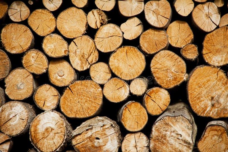 La pile du bois note le stockage pour l'industrie photographie stock libre de droits