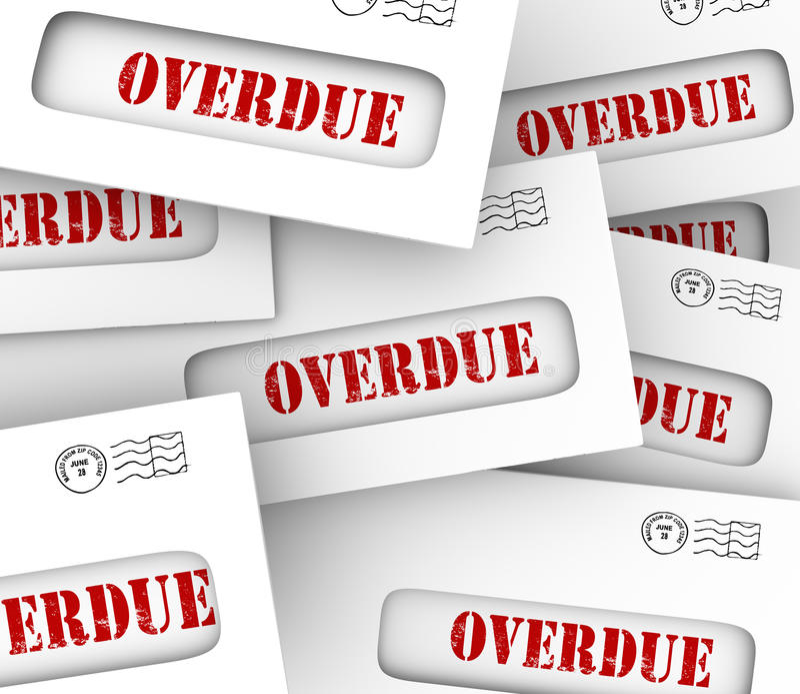 La pile en retard de factures enveloppe des honoraires de pénalité de retard de paiement illustration de vecteur