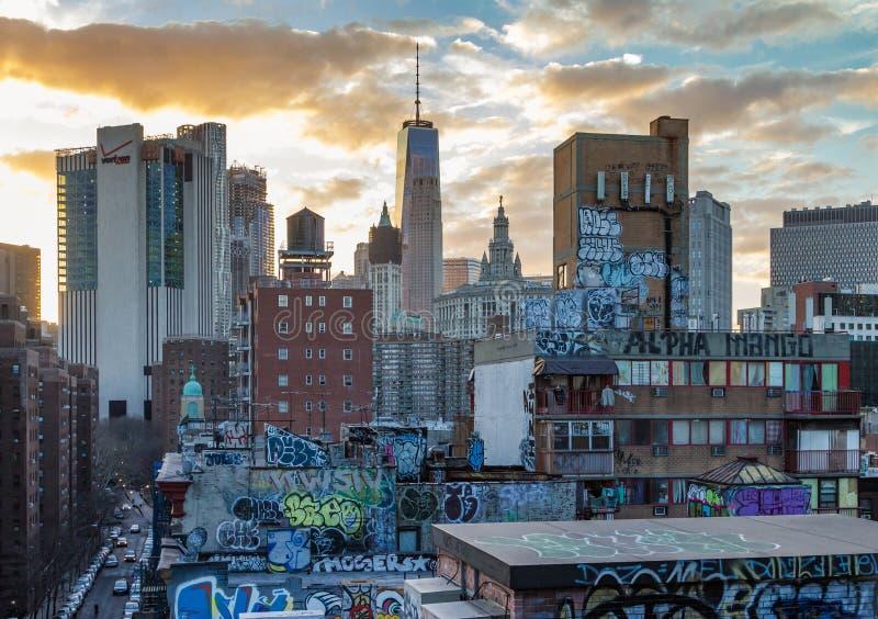 La pintada cubrió tejados de Chinatown NYC fotografía de archivo libre de regalías