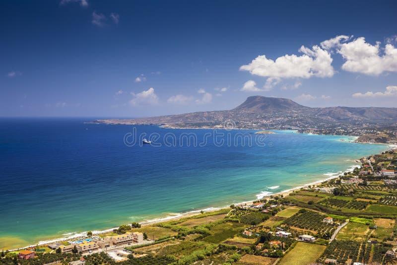 La pintoresca bahía de la isla de Creta cerca de Chania imagenes de archivo
