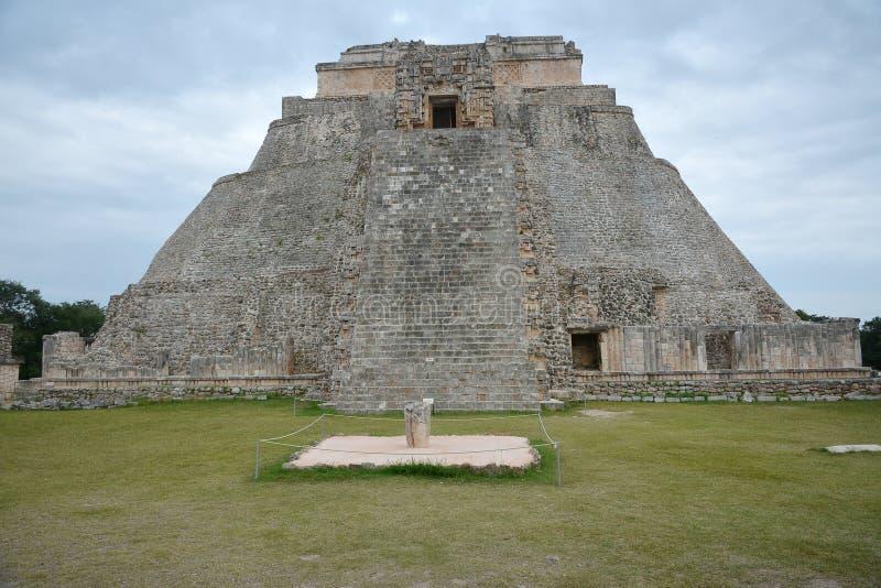 La pirámide del mago, Uxmal, península del Yucatán, México imagen de archivo libre de regalías