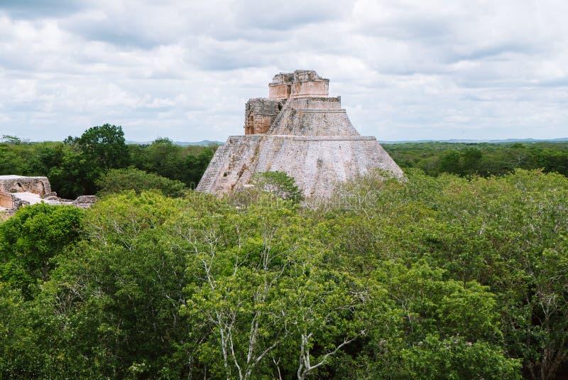 La piramide del mago in Uxmal, Yucatan, Messico immagini stock libere da diritti