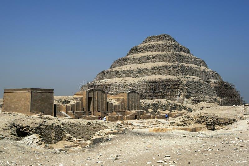 La piramide di punto a Saqqara nell'Egitto del Nord immagine stock libera da diritti