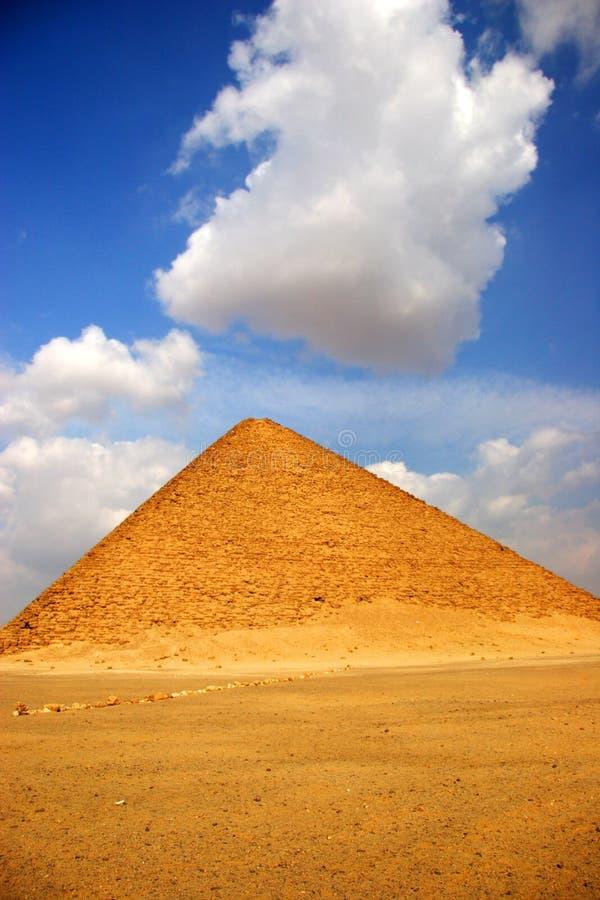La piramide rossa di Dahshur, Egitto immagini stock