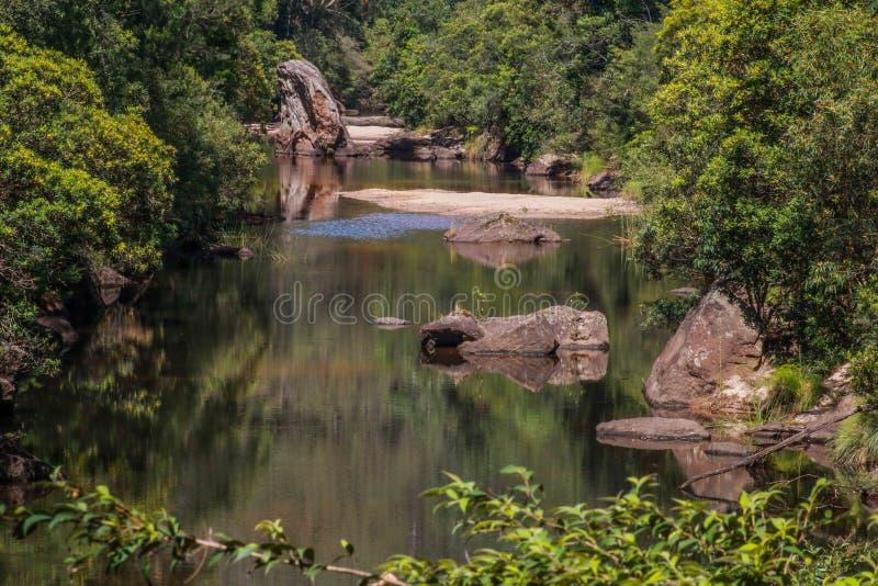La piscina azul foto de archivo