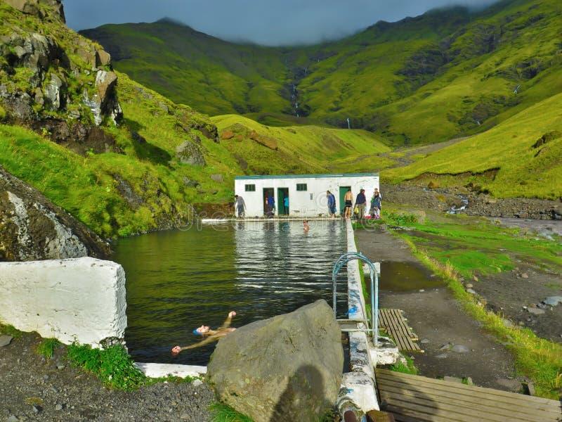 La piscina più anziana in Islanda fotografia stock libera da diritti