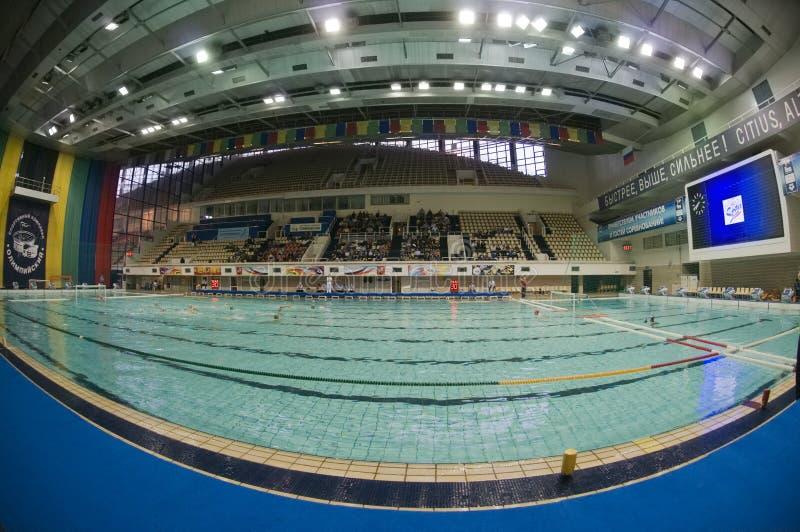 La piscine folâtre le composé   photographie stock