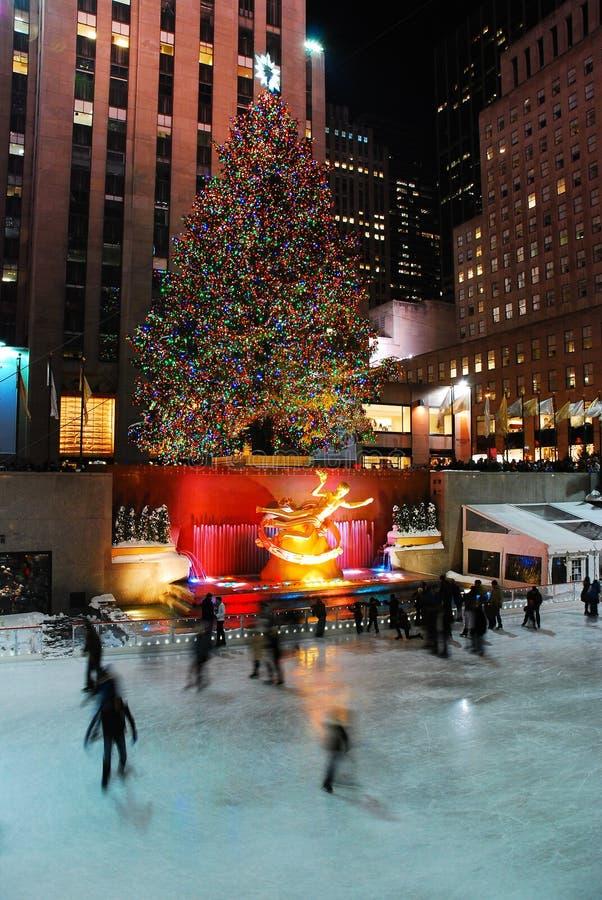 La piste de patinage au centre de Rockefeller à Noël photographie stock