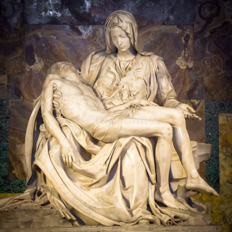 La pitié : Chef d'oeuvre de Michaël Angelo dans le saint Peter Basilica - cuve images libres de droits