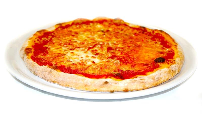 La pizza italiana dell'alimento di mozzarela di margherita della pizza, prosciutto si espande rapidamente olive fotografia stock