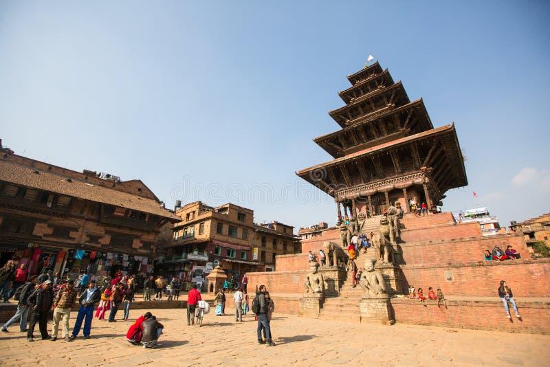 La place de Bhaktapur Durbar est la plaza devant le palais royal du vieux royaume de Bhaktapur photographie stock