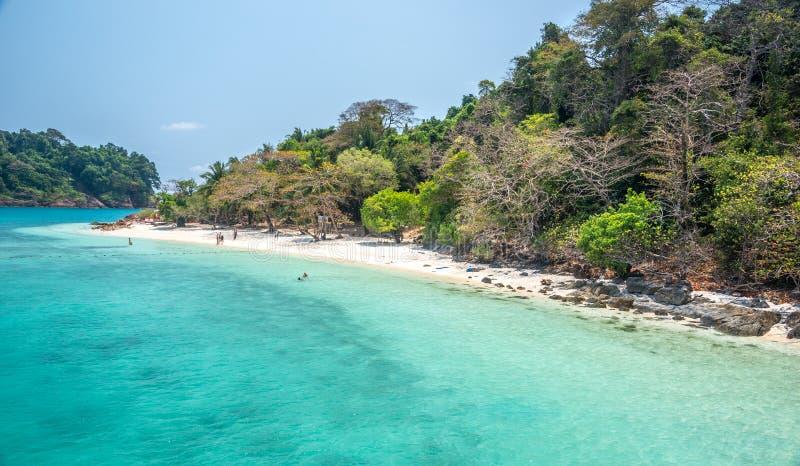 La plage blanche de Koh Rang Isle de Ko a sonné le parc national image libre de droits
