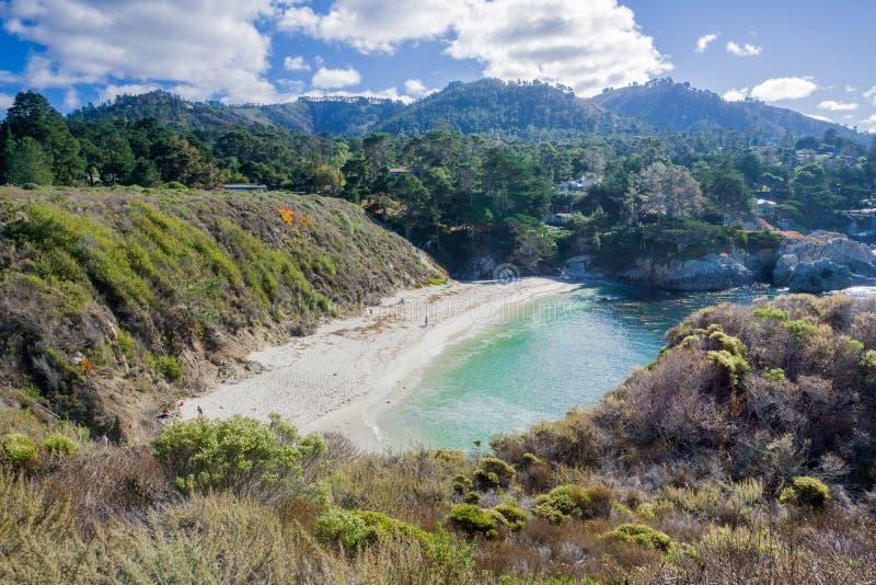 La plage de Gibson un jour ensoleillé, réservation naturelle d'état de Lobos de point, péninsule de Carmel-par-le-mer, Monterey,  photo libre de droits