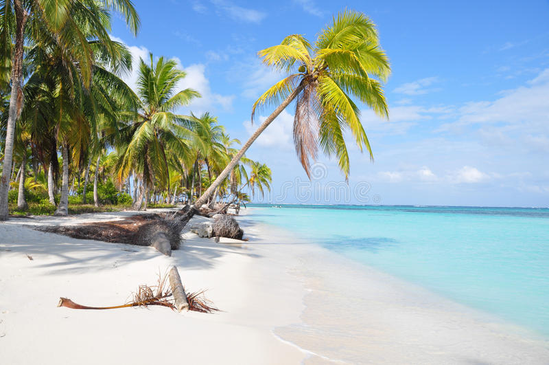 """Résultat de recherche d'images pour """"les plages les plus isolées"""""""