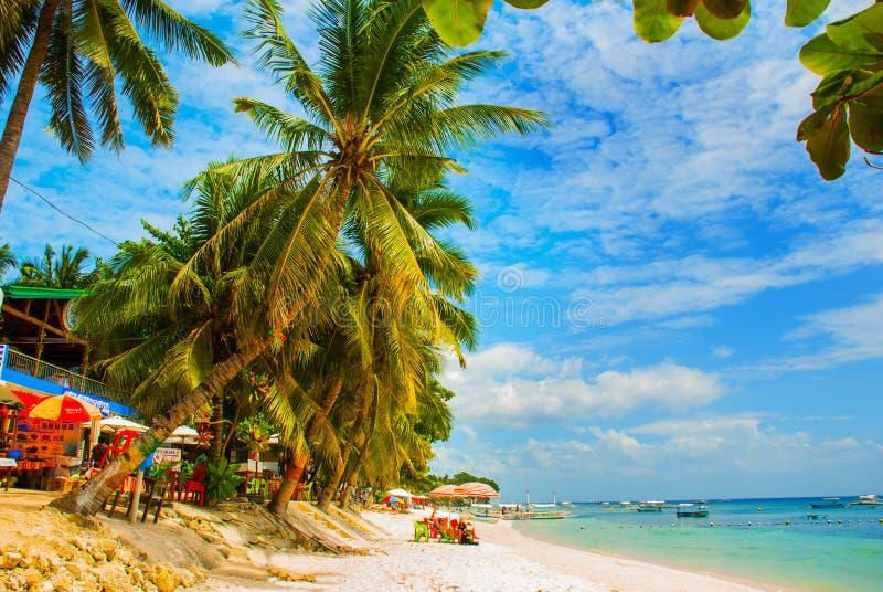 La plage tropicale de sable blanc de l'île de Panglao, Bohol philippines image libre de droits