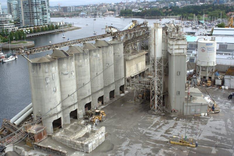 La planta concreta, construcción del océano suministra el Ltd. fotografía de archivo libre de regalías