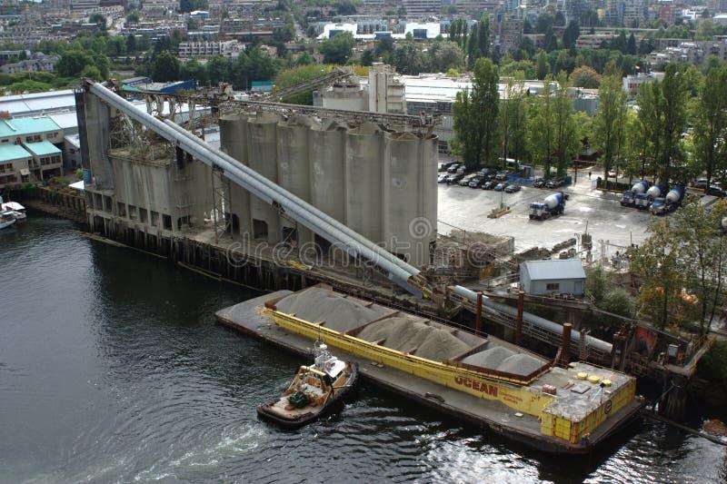 La planta concreta, construcción del océano suministra el Ltd. imagen de archivo libre de regalías
