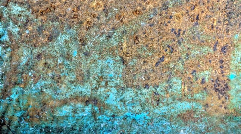 La plaque d'acier bleue s'est rouillée par temps photos libres de droits