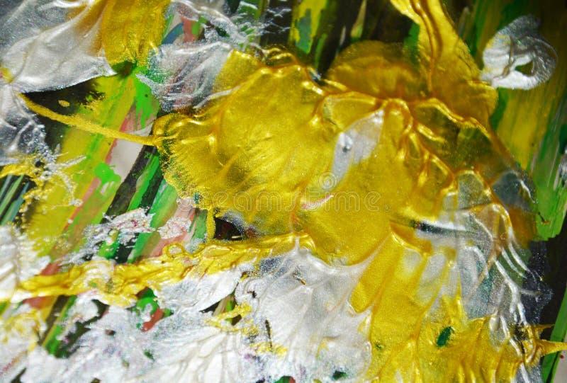 La plata verde del oro mezcló la pintura de la acuarela de los movimientos del cepillo Fondo del extracto de la pintura de la acu imagen de archivo