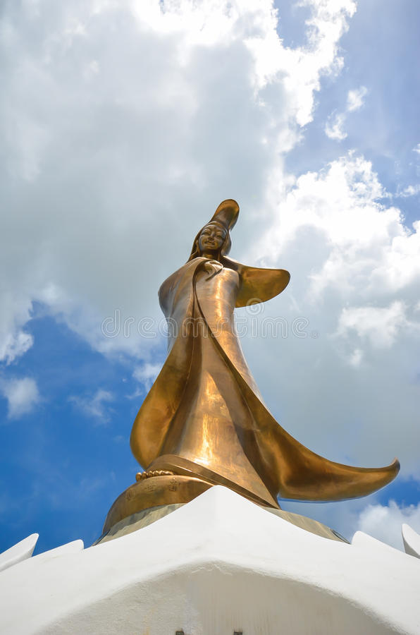 La playa de Buda Guan Yin Statue fotos de archivo