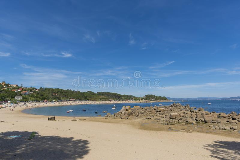 La playa de Cabio un Pobra hace Caraminal, La Coruna - España imágenes de archivo libres de regalías