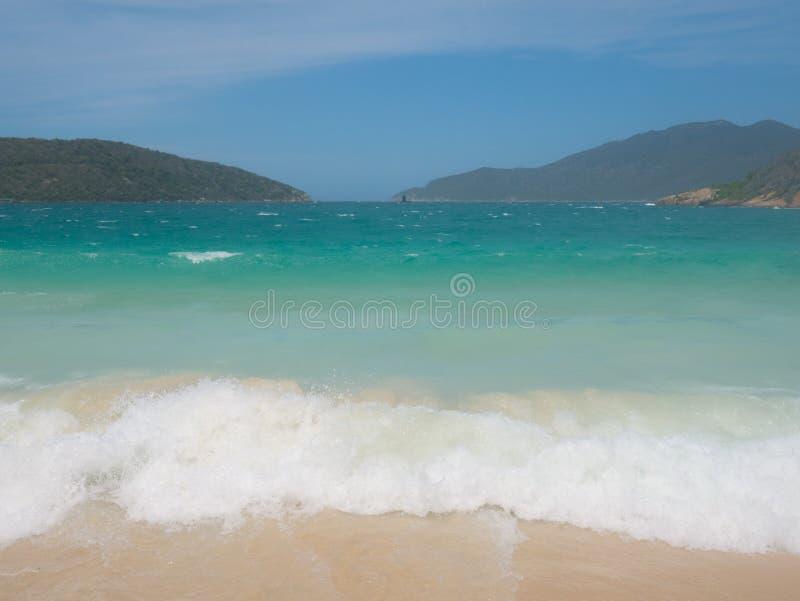 La playa de Forno en Arraial hace Cabo imagen de archivo libre de regalías