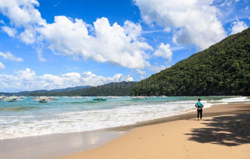 La playa de Puerto Princesa, Filipinas fotos de archivo