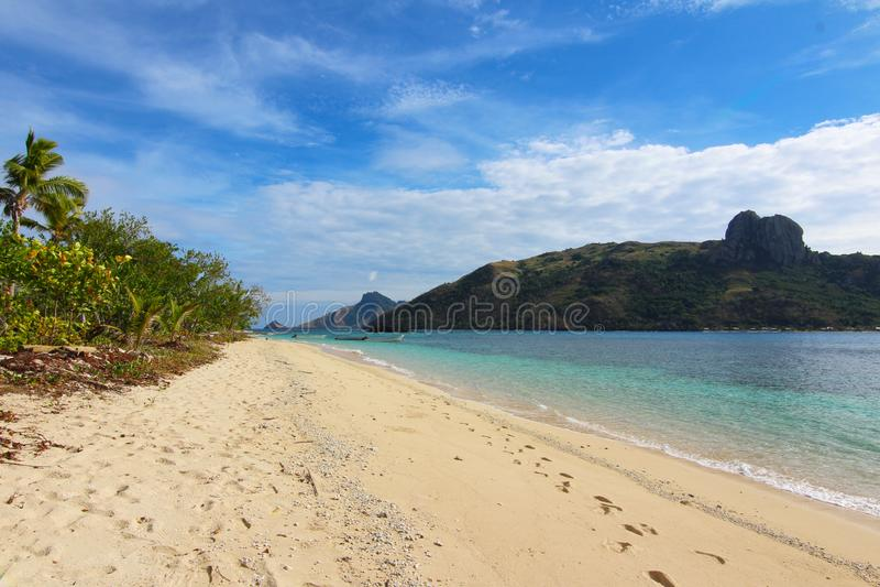 La playa de una isla tropical, Fiji foto de archivo