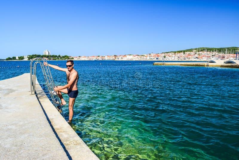 La playa de Vodice, Croacia foto de archivo